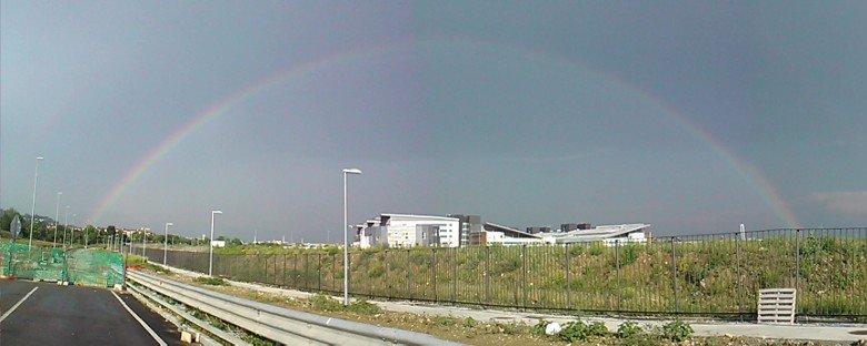 arcobaleno sopra ospedale di bergamo